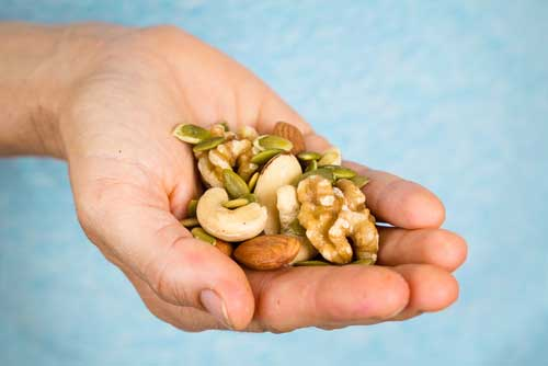 Read on and discover what a new study shows about the health benefits of nuts and how to take advantage of them.