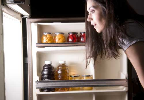 Late-Night Snacking: is It Linked with Weight Gain?