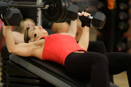 Why Women Need Chest Training and the Best Exercises for Doing It