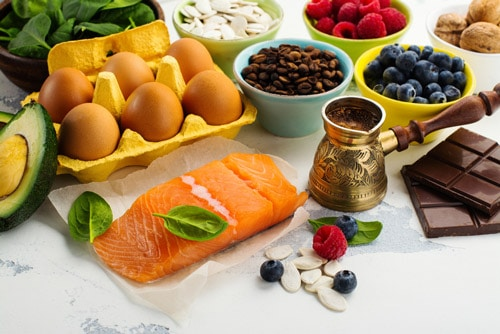 4 Key Types of Nutrients for Brain Health