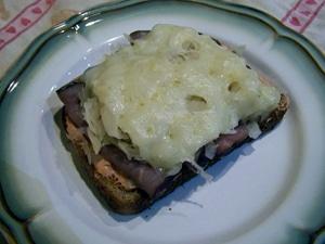 Rueben Kraut Sandwiches by Goatgirl83