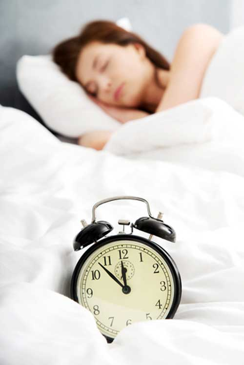 4 Ways Lack of Sleep Makes It Hard to Lose Belly Fat