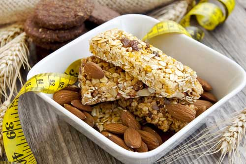 Will eating a protein snack at bedtime help you build muscle?