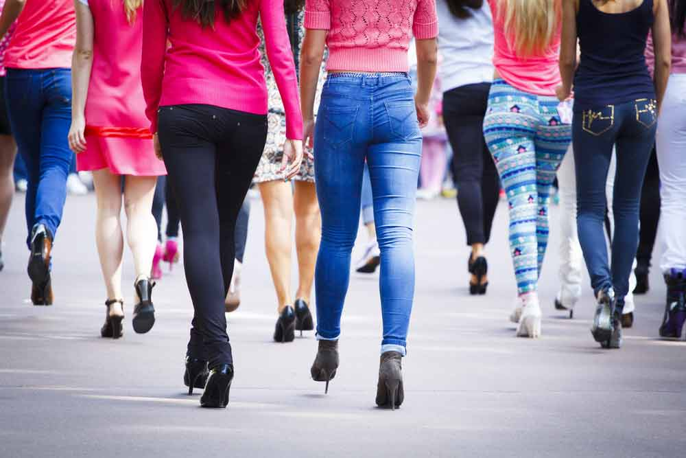 image of a group of women with a different walking speed