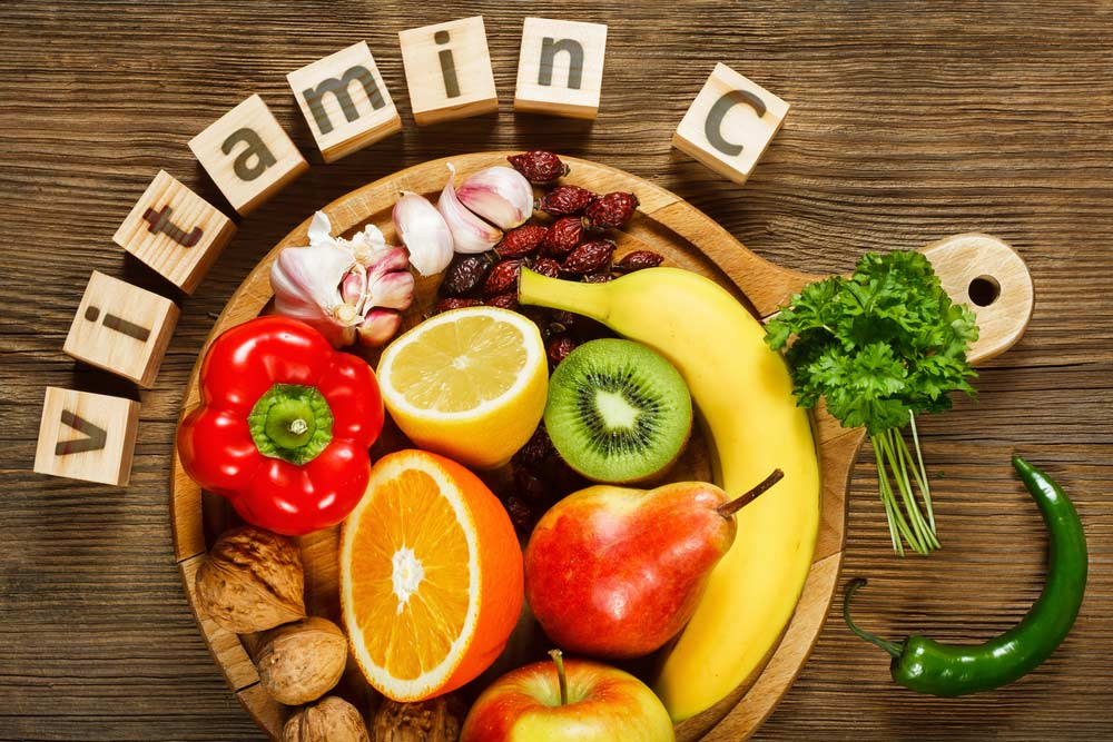 image of fruits and vegetables that are good sources of vitamin C