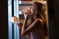 Can Cutting Back on Carbohydrates In the Evening Help You Lose Weight?